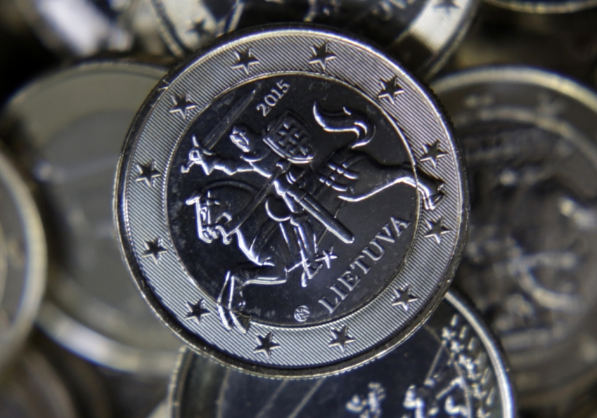 A one-euro coin engraved with the Lithuanian coat of arms [Photo: IB Times]
