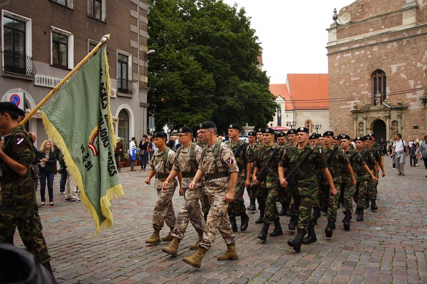 Latvia's national guard parades through Riga's Old Town [Image: Creative Commons]