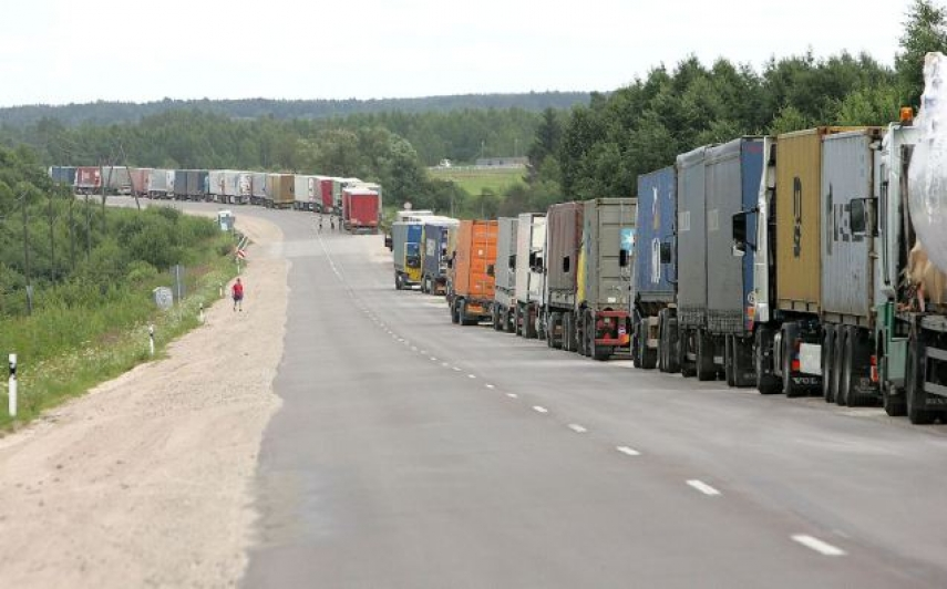 Lorries queue at the Lithuanian-Russian border [Image: Ministry of Transport and Communication of the Republic of Lithuania[