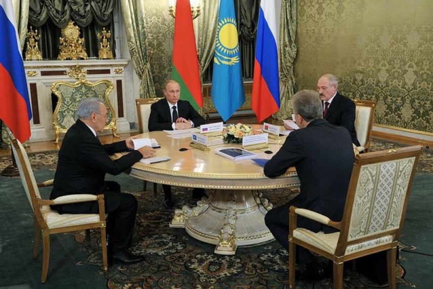 POWER POLITICS: Russian President Vladimir Putin negotiating with his counterparts at a session of the Supreme Eurasian Economic Council. Photo: Creative Commons.