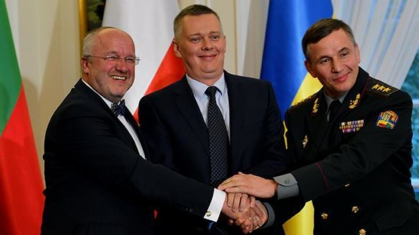 The defence ministers of Lithuania, Poland and Ukraine agree to the project in Warsaw in September last year [Image: presstv]