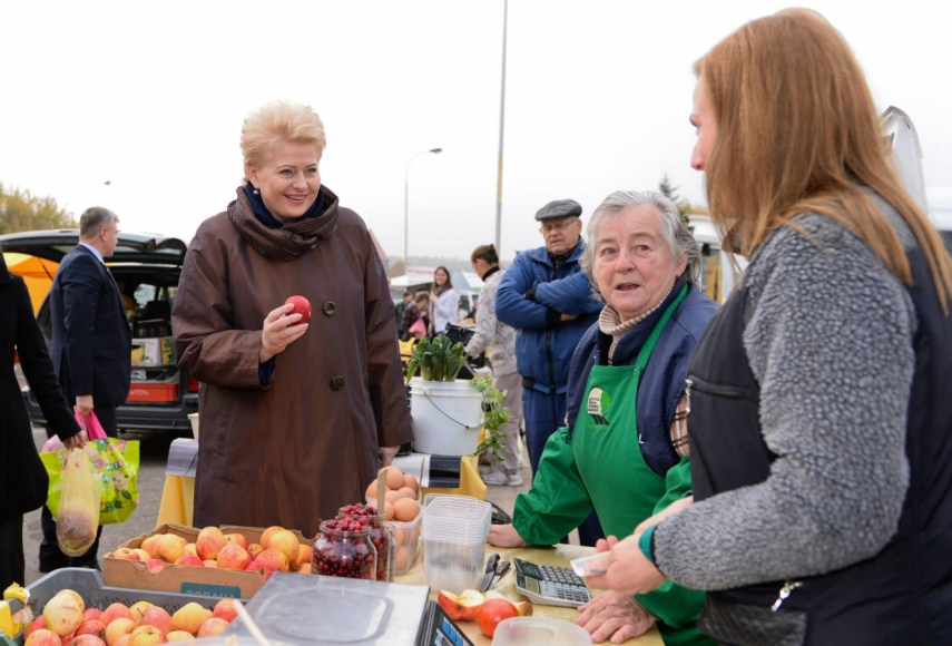 President Dalia Grybauskaite on a public appearance [Image: dailycard.lt]