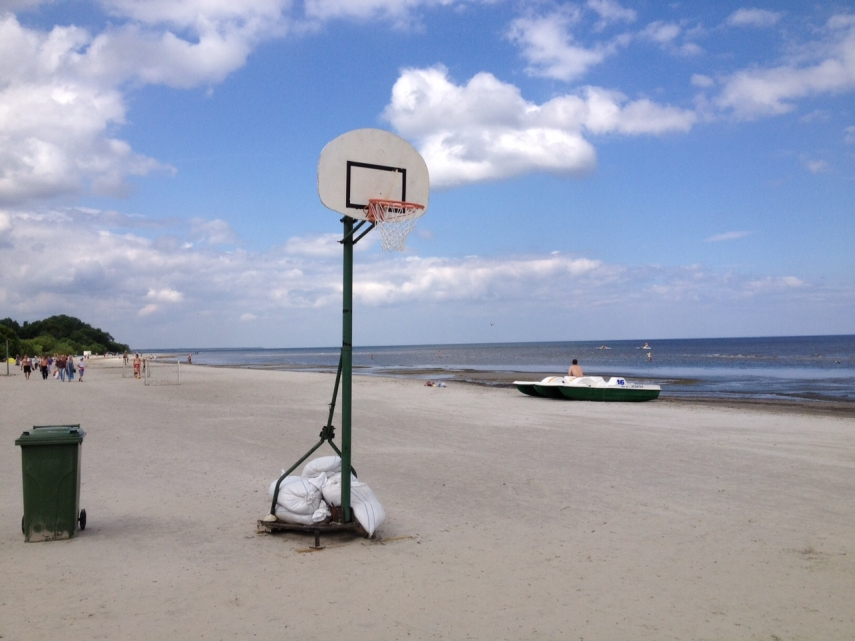 FAIR WEATHER SPORTS: Basketball in Jurmala.