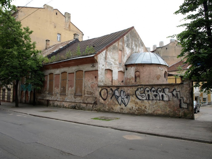 The disused synagogue on Geliu Street, Vilnius [Image: Wiki Commons]