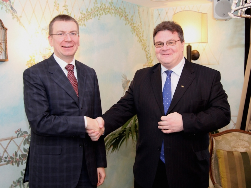 Foreign Ministers Rinkevics and Linkevicius [Image: urm.lt]