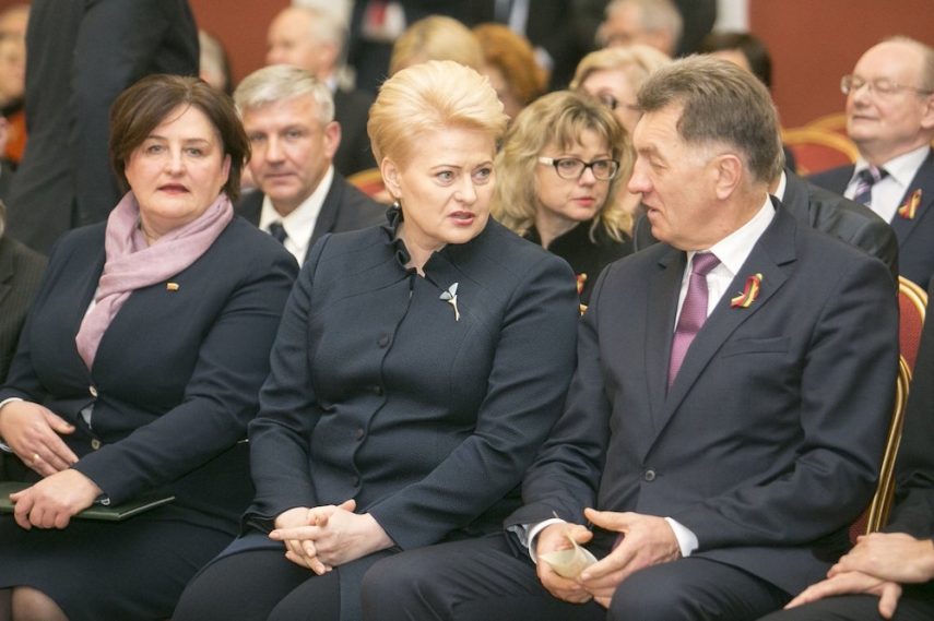 Grauziniene (left), Grybauskaite (centre), Butkevicius (right) [Image: 15min.lt]