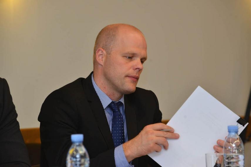 Latvian Defence Minister [Image: ventspils.lv]