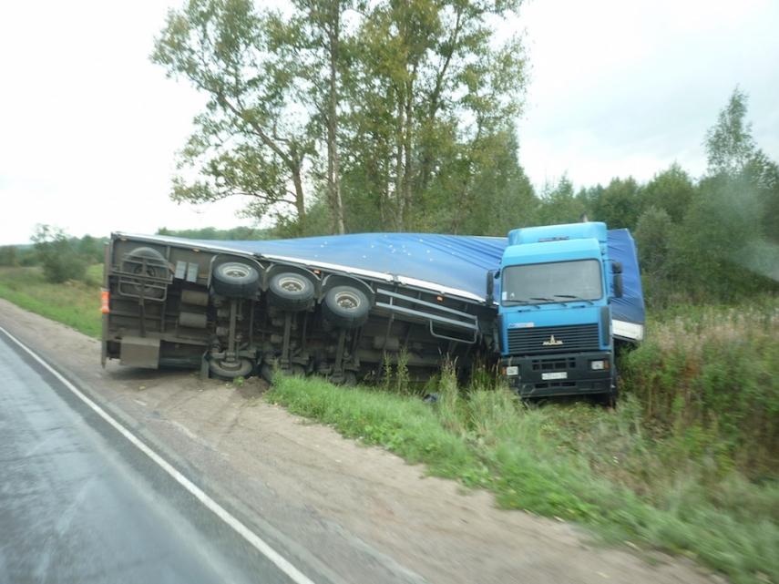 A truck in Russia [Image: Barnabywrites.com]