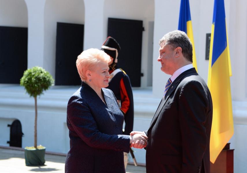 Grybauskaite met with Poroshenko earlier in 2015 [Image: LRP.lt]