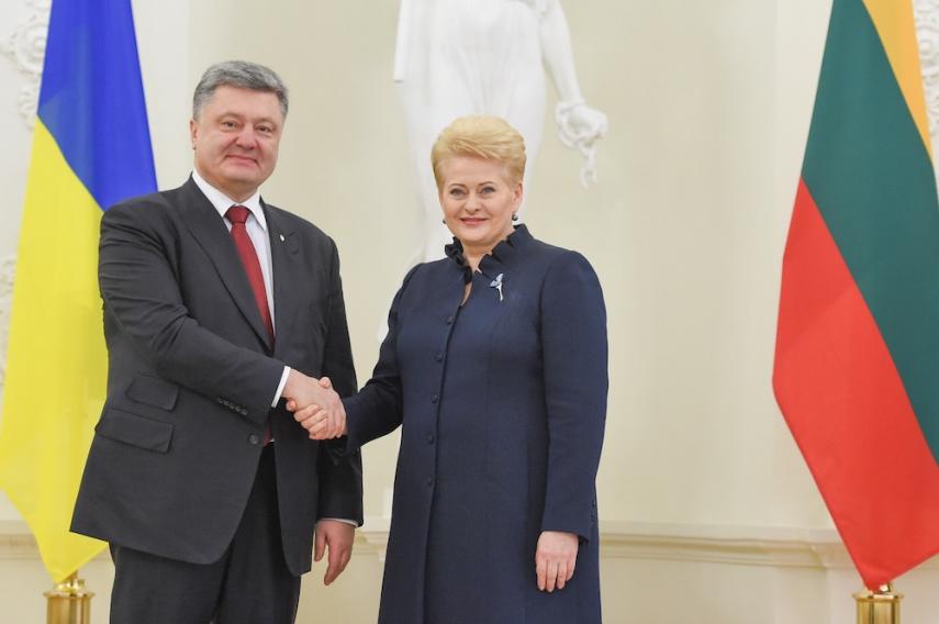 Poroshenko (left) visited Grybauskaite (right) on December 2 [Image: LRP.lt]