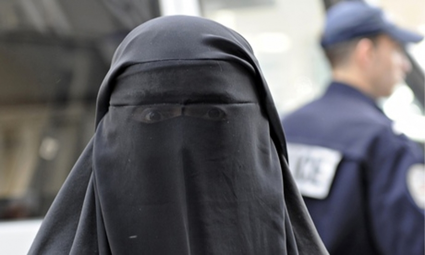 A traditional Islamic burqa [Image: The Guardian]