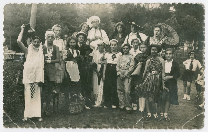 Moletai (Malat) Jews in 1915.