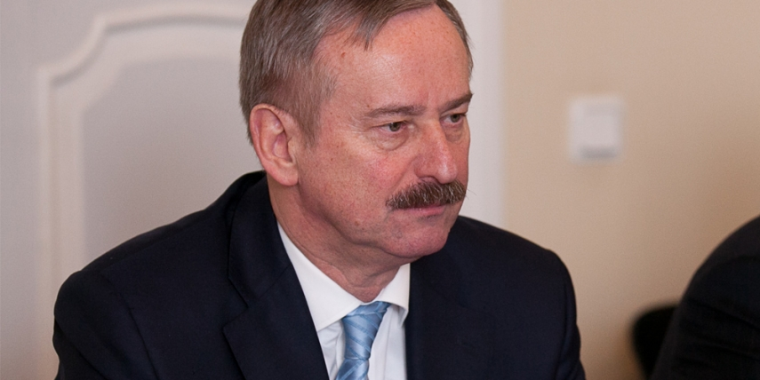 Siim Kallas earned 138 votes in the second round in the electoral college [Saeima]