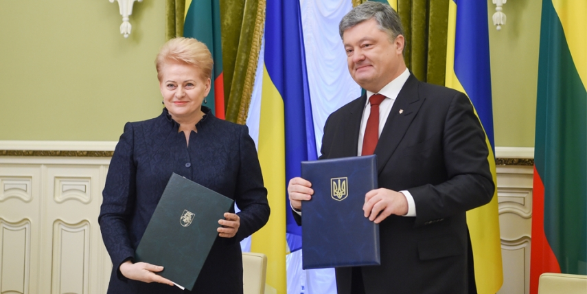 President Grybauskaite meets with President Petro Poroshenko of Ukraine [Robertas Dackus, Official Office of the President of the Republic of Lithuania]