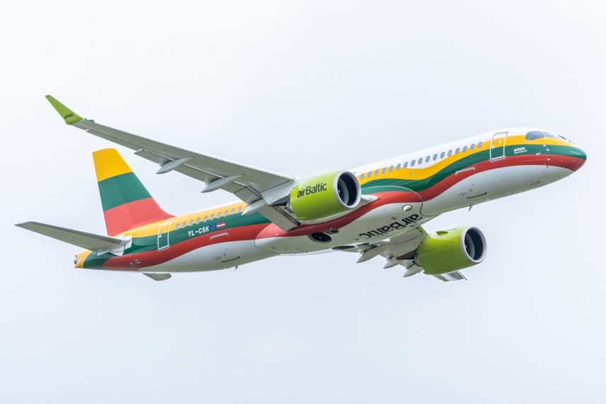 For the first time an aircraft marked with Lithuanian tricolour flag landed in Vilnius