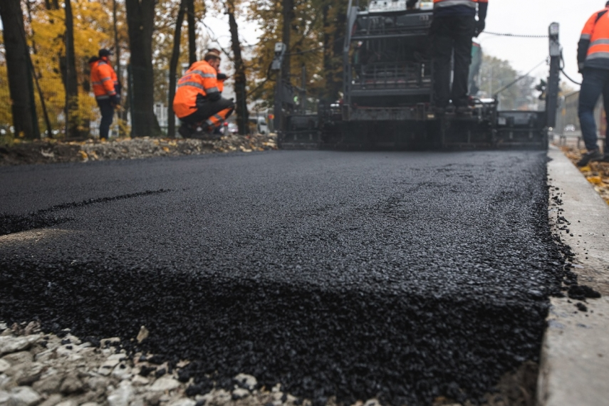 The first road section that contains plastic waste has been ...