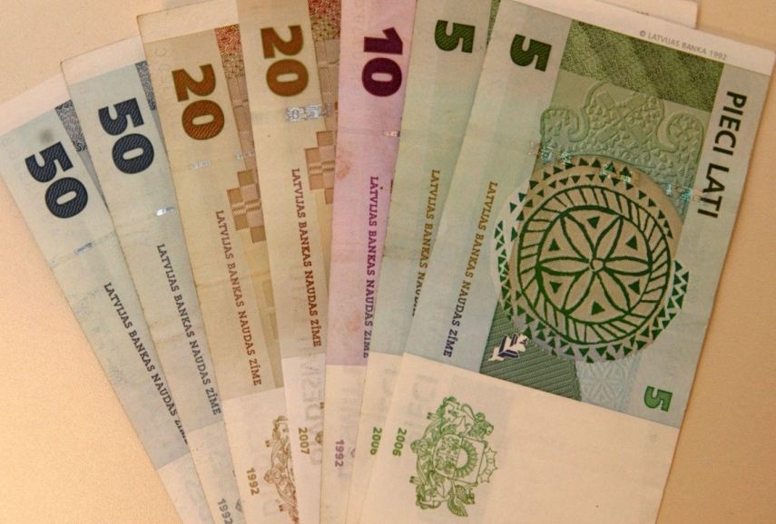 EUR 2.3 million worth of Latvian lats banknotes and coins exchanged for euros in 2019