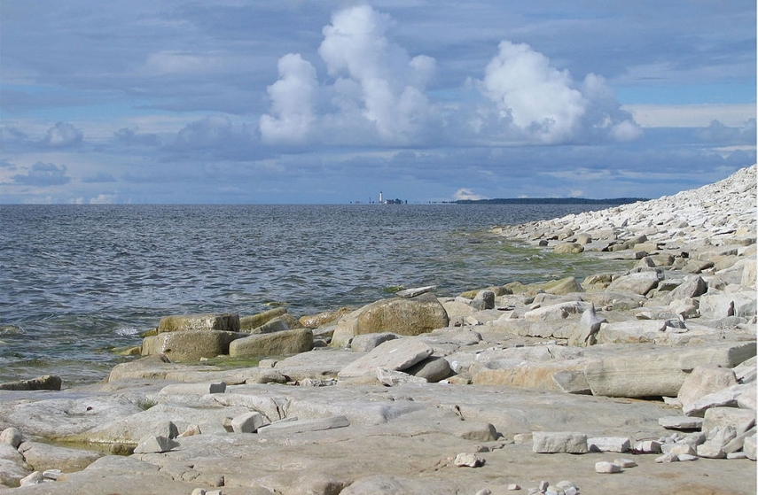 Estonian survey: Saaremaa, coastal municipality residents want road link with islands