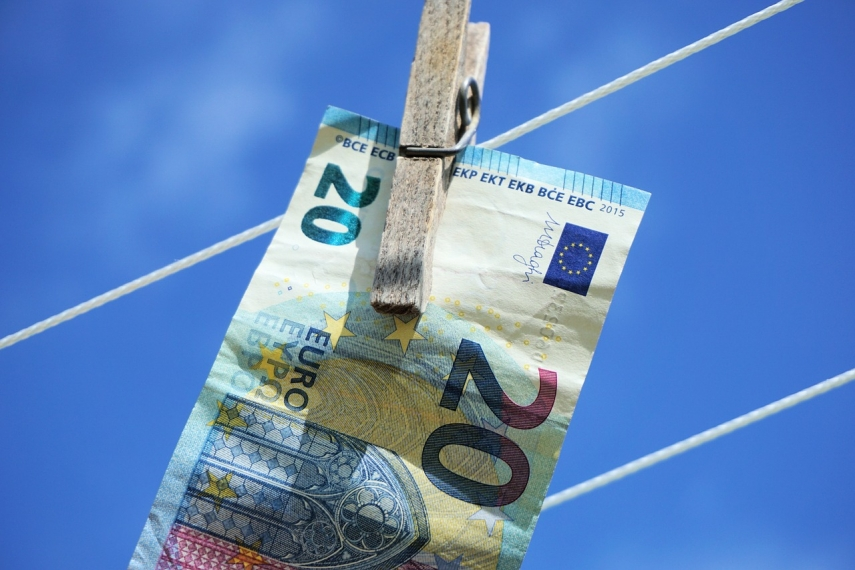 European Commission steps up fight against money laundering, terrorist financing