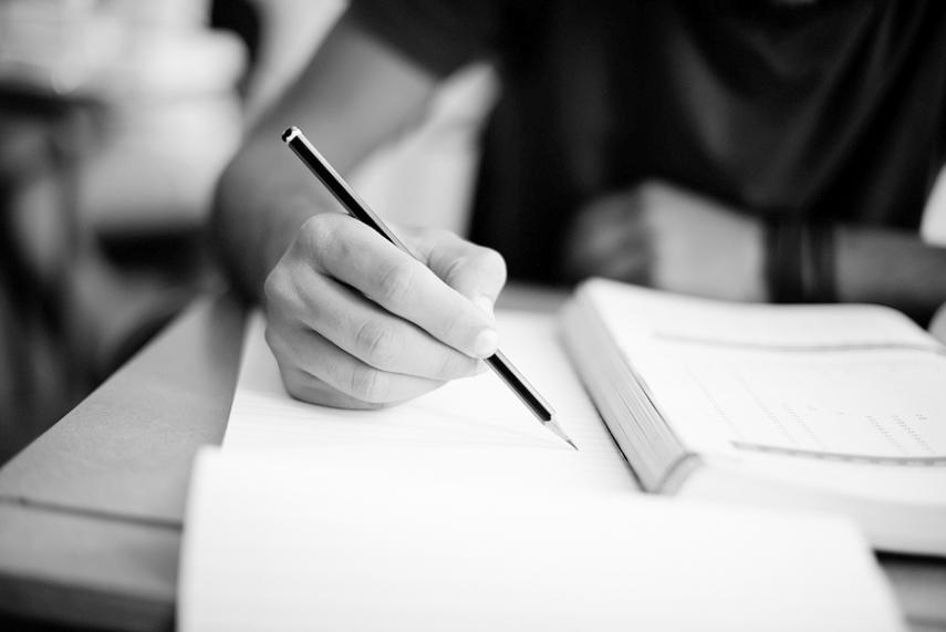 Average scores in Latvian pupils' compulsory exams slightly improved