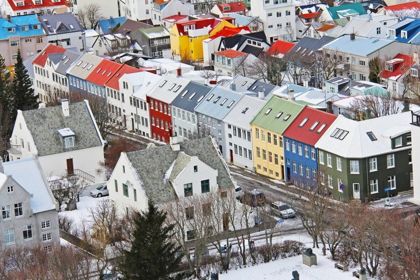 Self-isolation requirement not to apply to arrivals from Iceland from Monday