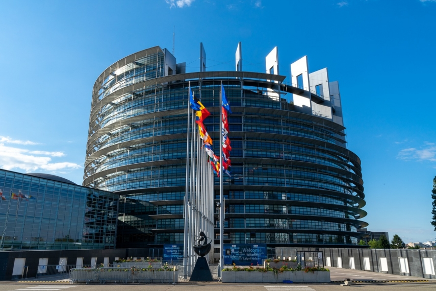 EU to start talks on purchase of 1.8 billion doses of 2nd-generation Covid-19 vaccine
