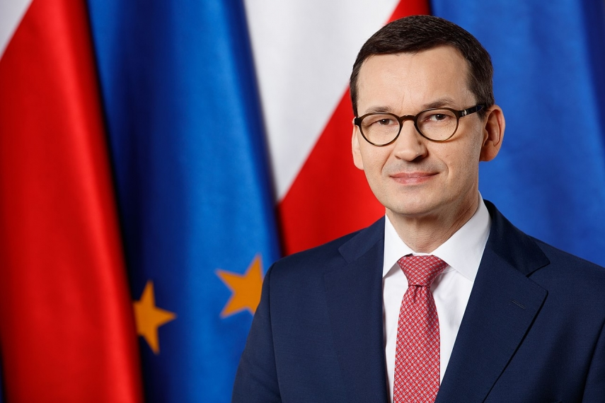 Polish PM in Vilnius urged fellow nationals to get vaccinated against COVID-19