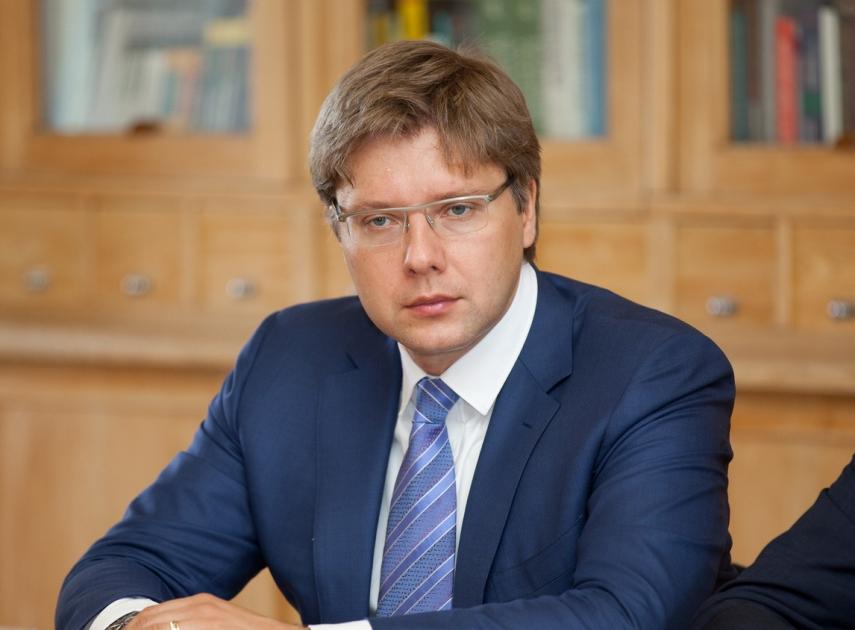 Usakovs to report Eglitis' tweet on distribution of EU funding to European Parliament workgroup