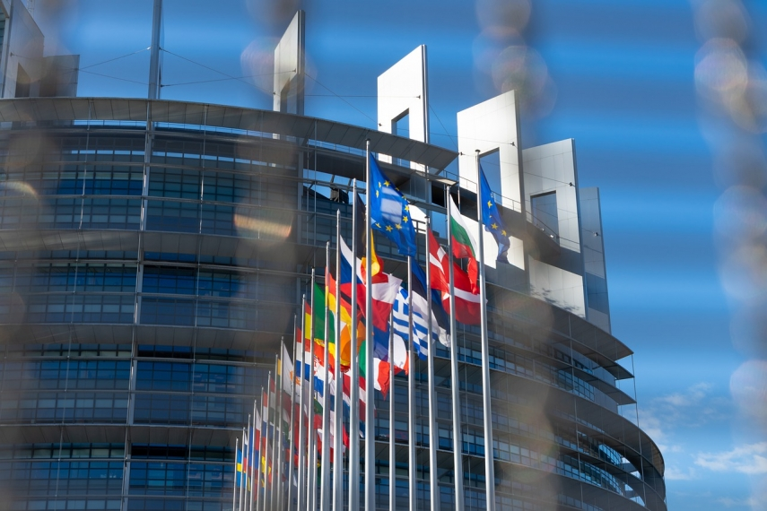 EU recommends dropping quarantine for fully vaccinated citizens