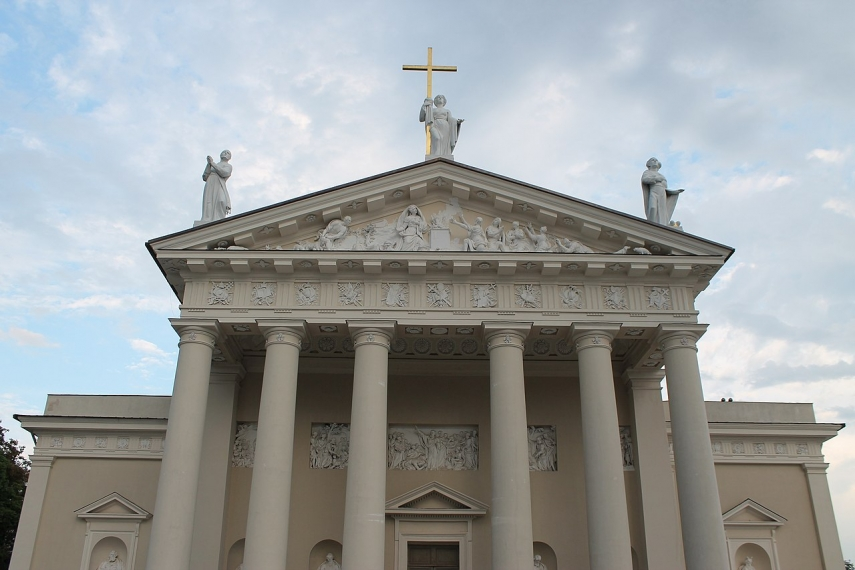 Vilnius Cathedral to open chapels closed for 70 years