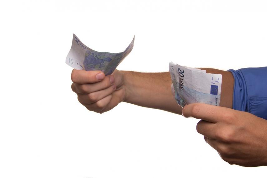 Survey: EUR 1,723 avg net salary expectation of employees in Estonia