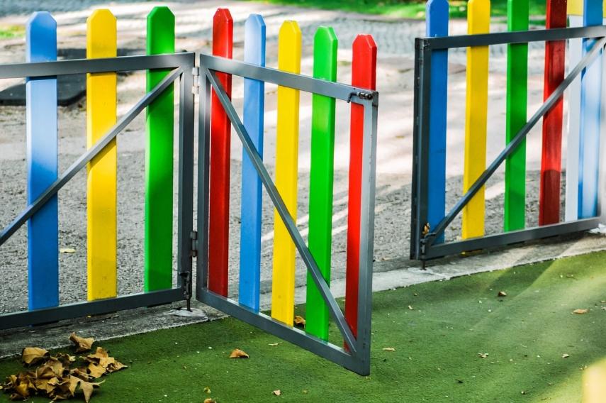 Parlt to discuss eliminating kindergarten place fee in Estonia